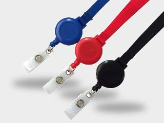 des dérouleurs zip pour accrocher aux porte badges et au tour de cou